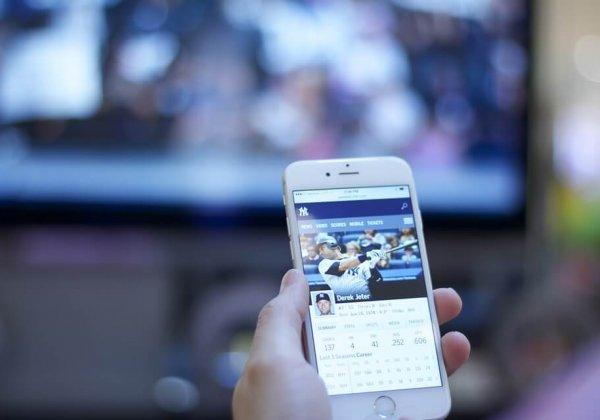 מתים על וידיאו, לא עוזבים את הסמארטפון – הכול על ישראלים בפייסבוק